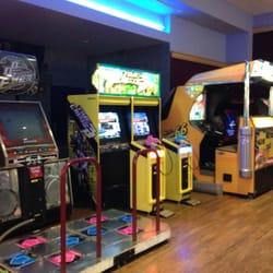 amc mayfair mall 18 26 photos amp 46 reviews cinema