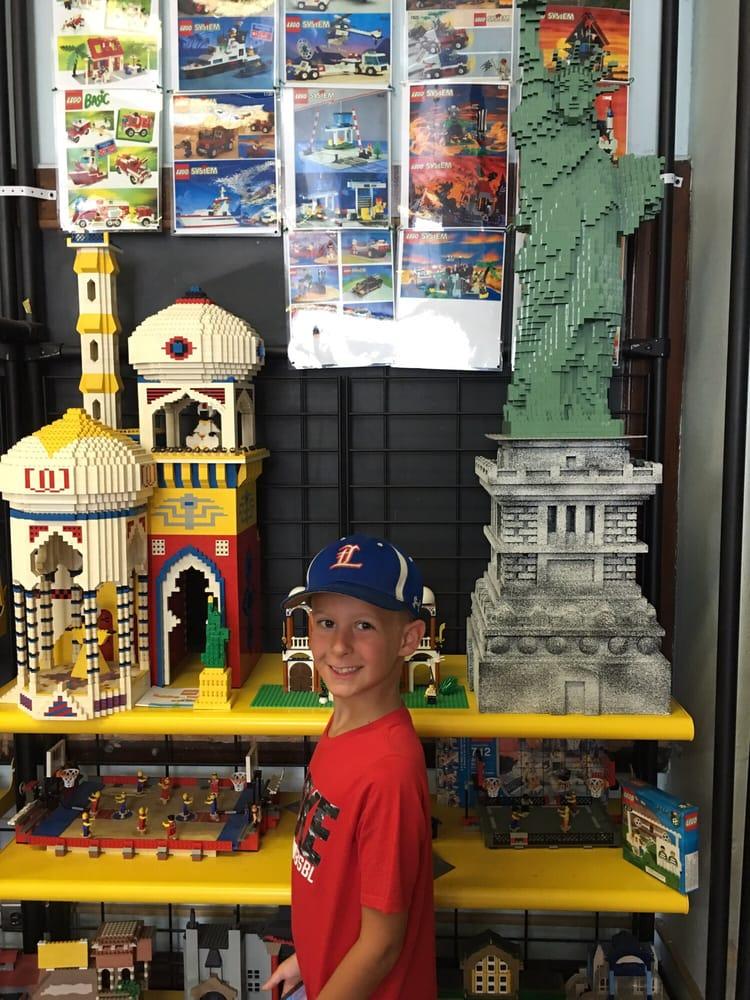 Plastic Brick Museum: 4597 Noble St, Bellaire, OH
