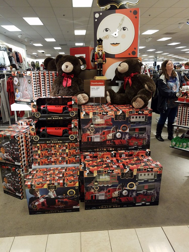 Belk Hudson: 1216 Cullman Shopping Ctr NW, Cullman, AL