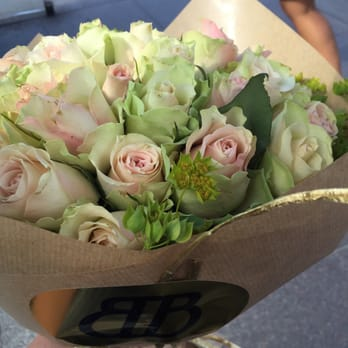 magasin blomster åbningstider