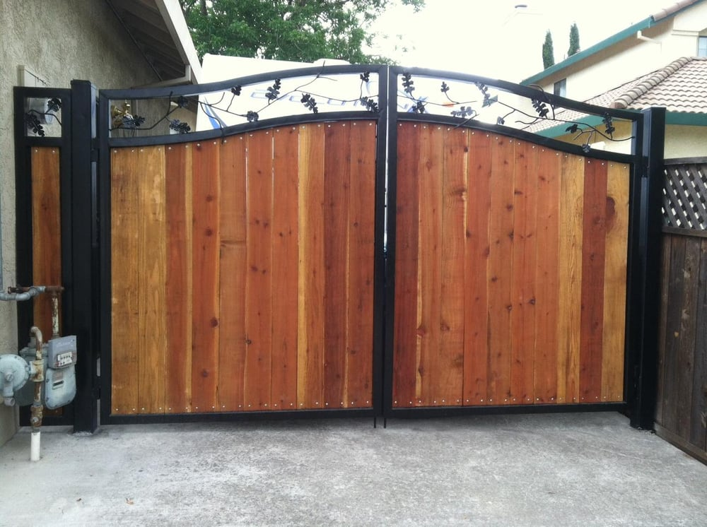 Wrought Iron Wood Combination Drive Way Gate With