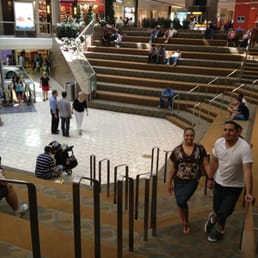 stamford town center    reviews shopping centers  greyrock pl stamford ct