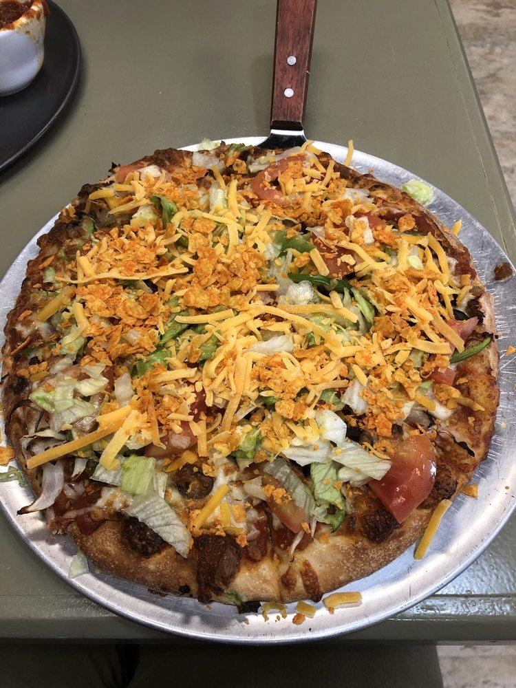 Big Nick's Pizza: 706 Willapa Place, Raymond, WA