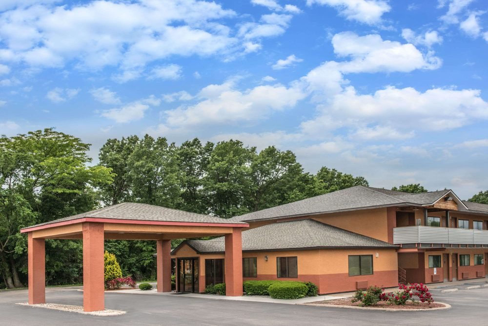 Days Inn by Wyndham Kingdom City: 3391 County Road 211, Kingdom City, MO