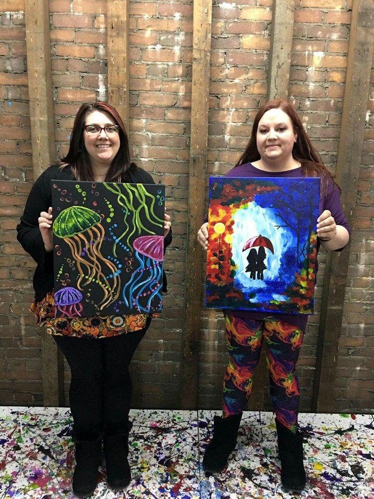 Artsy Chic Studio & Boutique: 1520 Broadway Ave, Mattoon, IL