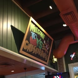 Chilis 53 Photos 28 Reviews Bars 955 Chesterfield Ctr
