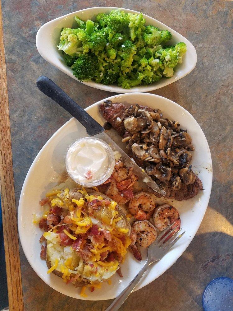 Mimmo's Italian Restaurant: 116 S Division St, Norris City, IL