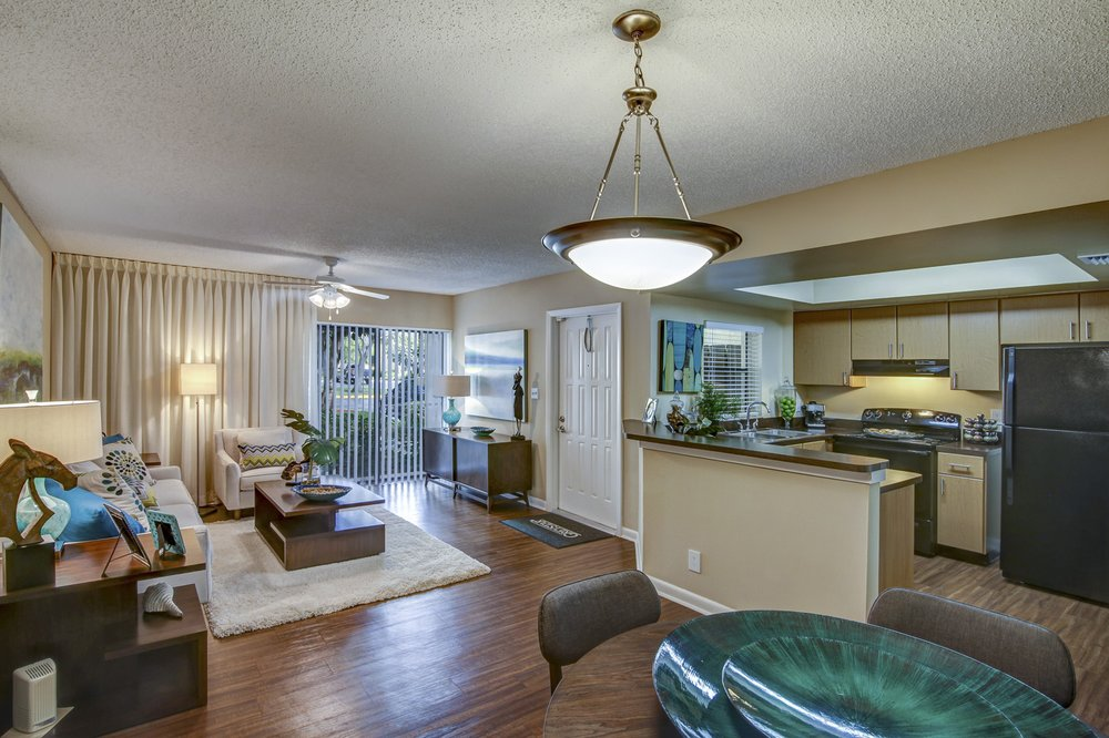 Plantation Colony Apartments: 8210 SW 12th St, Plantation, FL