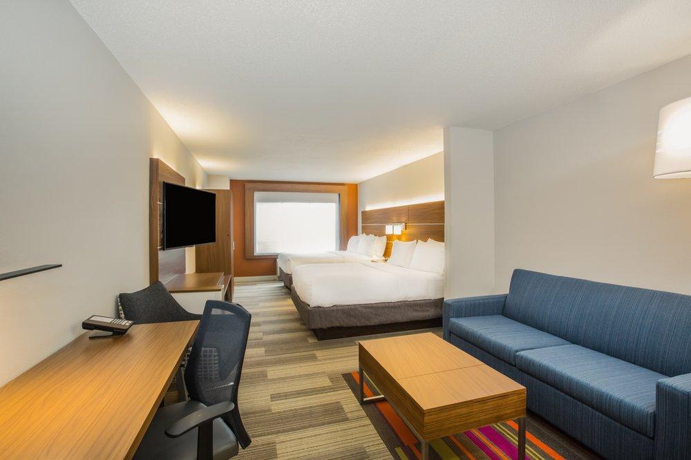 Holiday Inn Express & Suites Bellevue: 10804 S 15th St, Bellevue, NE