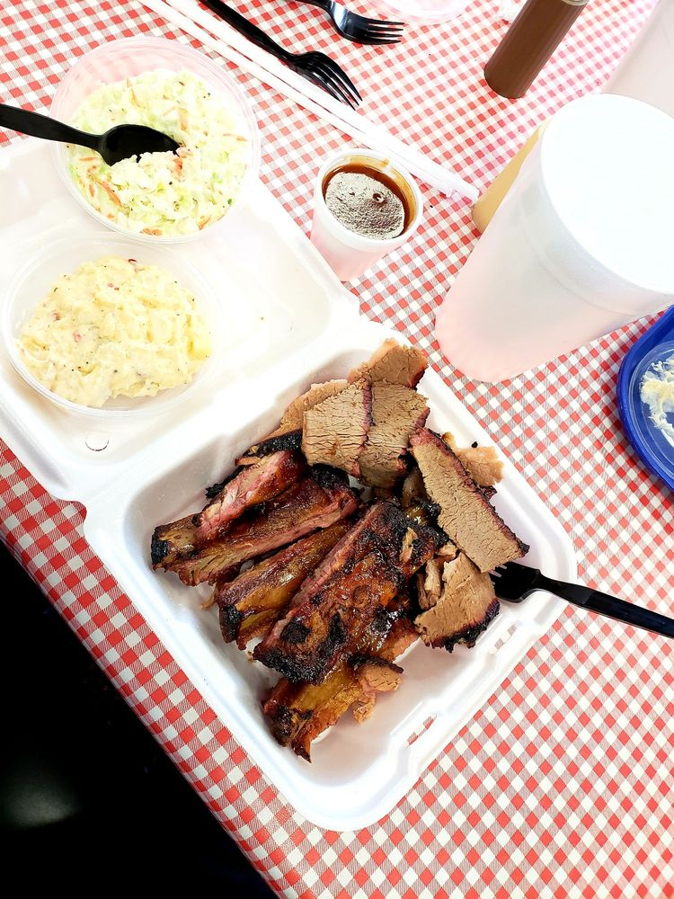 Food from Carter's Bar-B-Que