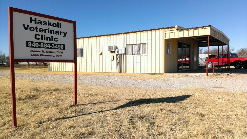 Haskell Veterinary Clinic: 500 N Avenue H, Haskell, TX