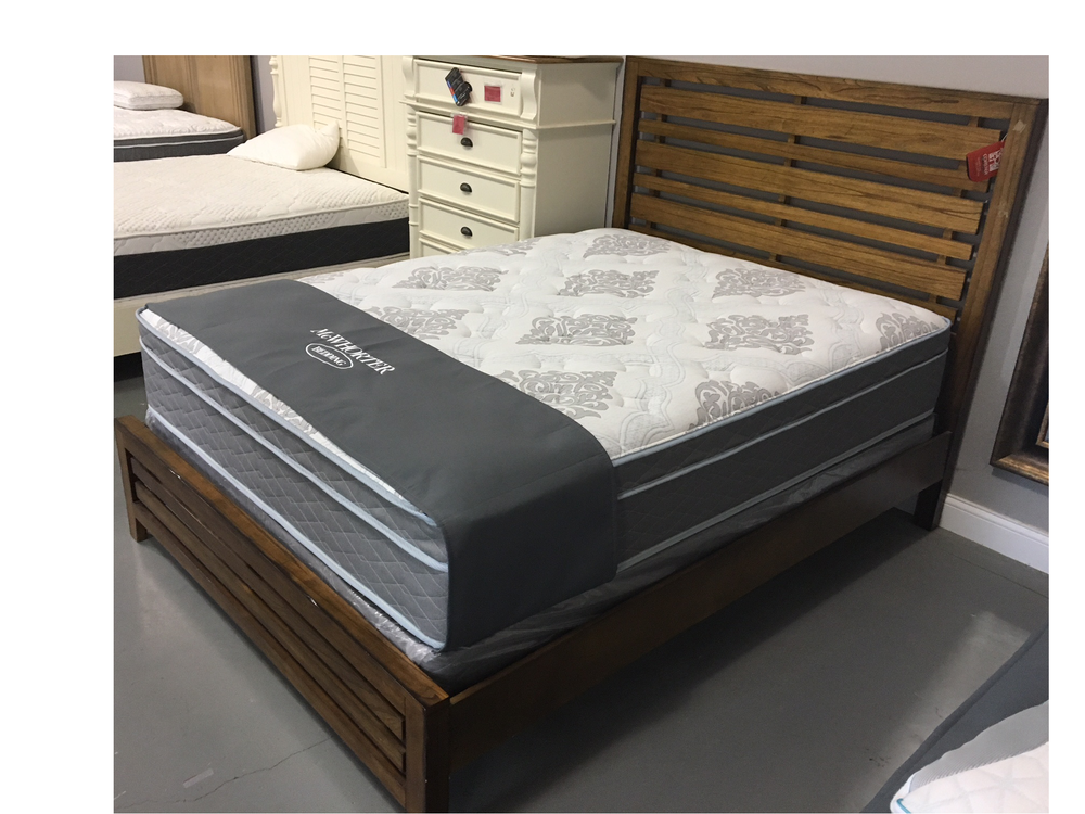 McWhorter Bedding: 712 W Walnut, Fairbury, IL