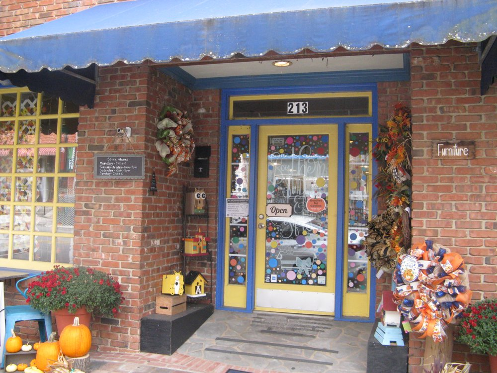 Southern Suds & Gifts: 213 S White St, Wake Forest, NC