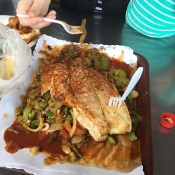 San pedro fish market and restaurant 2248 photos 1016 for Fish market san pedro