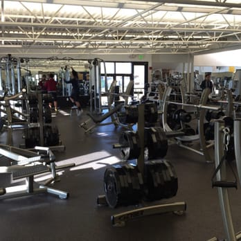 Admiral Prout Field House 15 Photos 18 Reviews Gyms Division