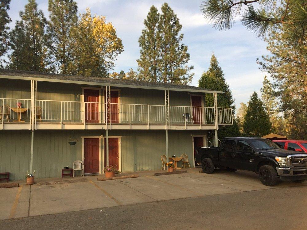 Brownsville Motel: 8592 La Porte Rd, Brownsville, CA