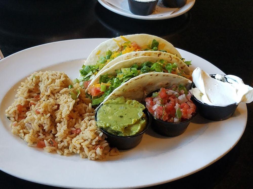 TJ's Family Restaurant Lounge: 365 E Oregon Ave, Creswell, OR
