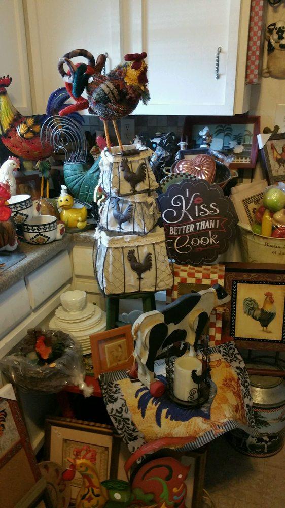 The Garage Sale Store: 23988 Lake Dr, Crestline, CA