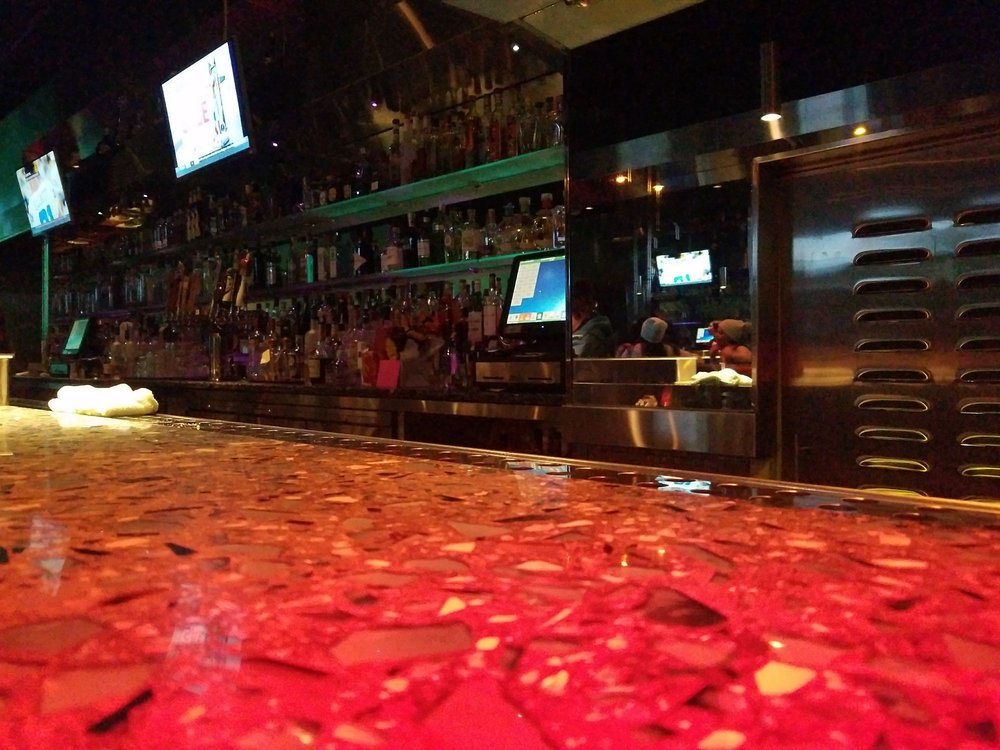 Pearl Lounge: 507 2nd St, Eureka, CA