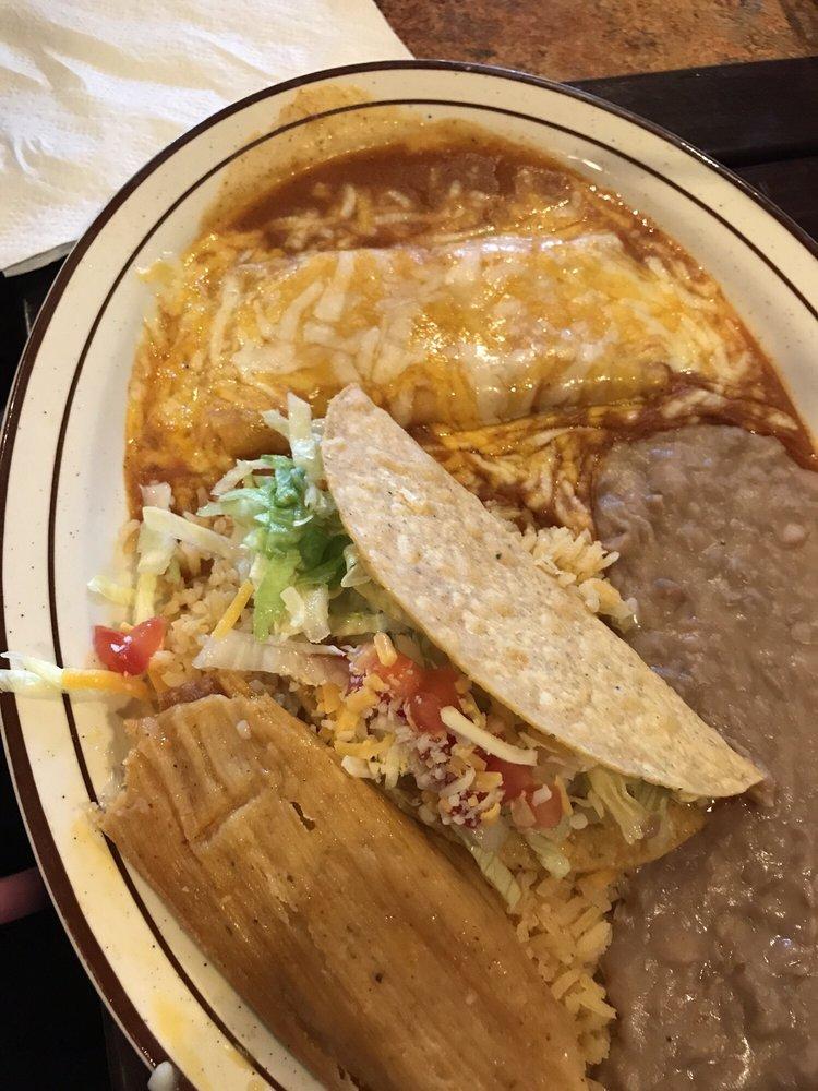 Taqueria Mexicana: 105 1/2 S Alder St, Toppenish, WA