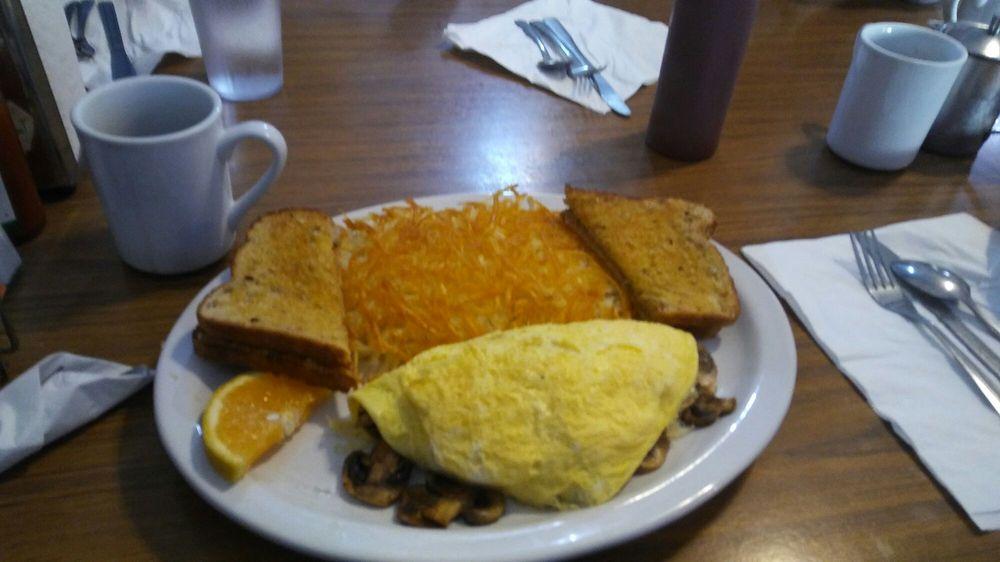 Bayway Eatery: 35845 7th St, Nehalem, OR
