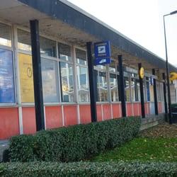 la poste bureau de poste place de l 39 europe chartrons grand parc bordeaux num ro de. Black Bedroom Furniture Sets. Home Design Ideas