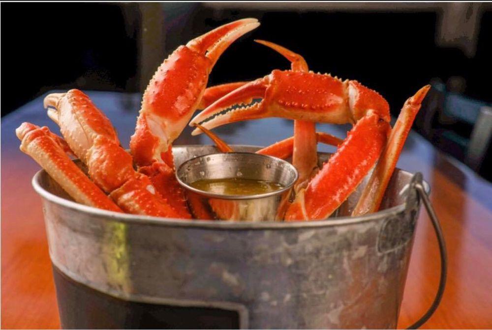 Catfish Kitchen: 727 Fayetteville Rd, Van Buren, AR