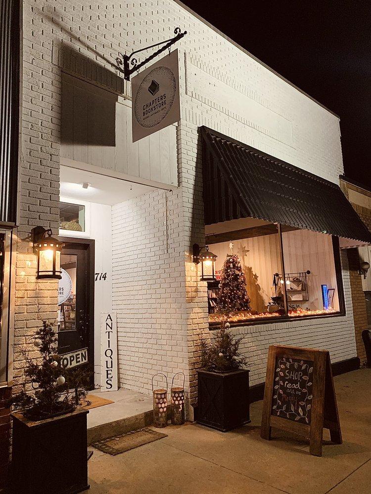 Chapters Bookstore: 714 Topeka Ave, Lyndon, KS
