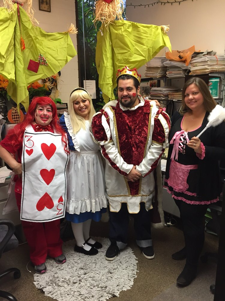 Jeri's Costumes: 2371 Mayfield Ave, Montrose, CA