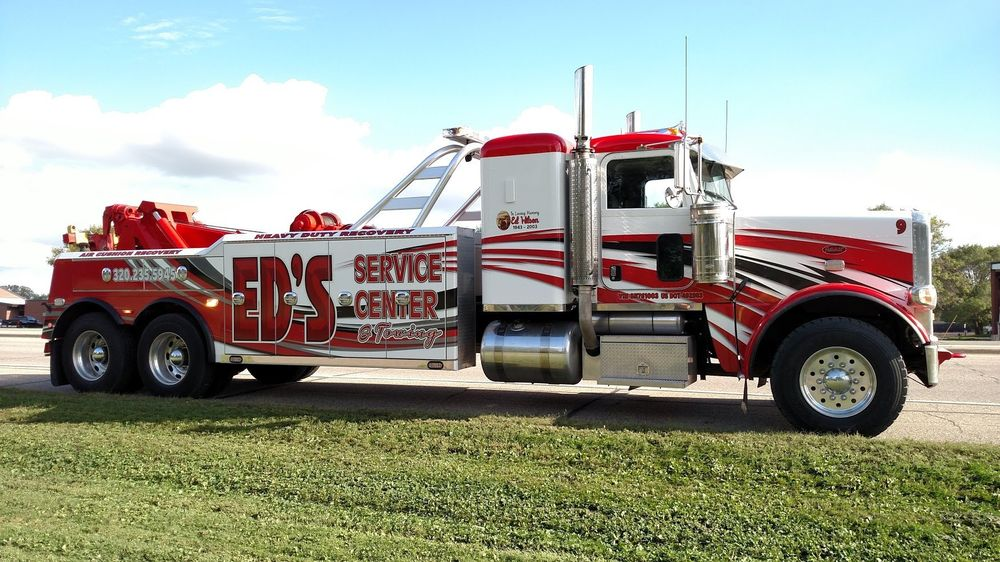 Ed's Service Center & Towing: 919 Gorton Ave NW, Willmar, MN
