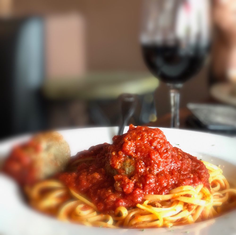 Dominics Italian Gourmet: 113 E Grand Av, Escondido, CA