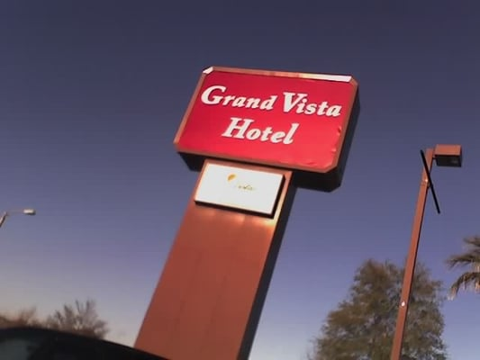 Grand Oaks Hotel Phone Number