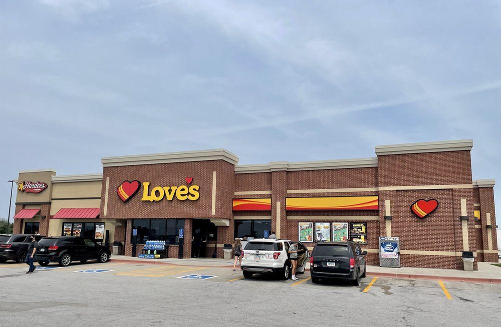 Love's Travel Stop: 1400 Industrial Park Rd, Ellsworth, IA