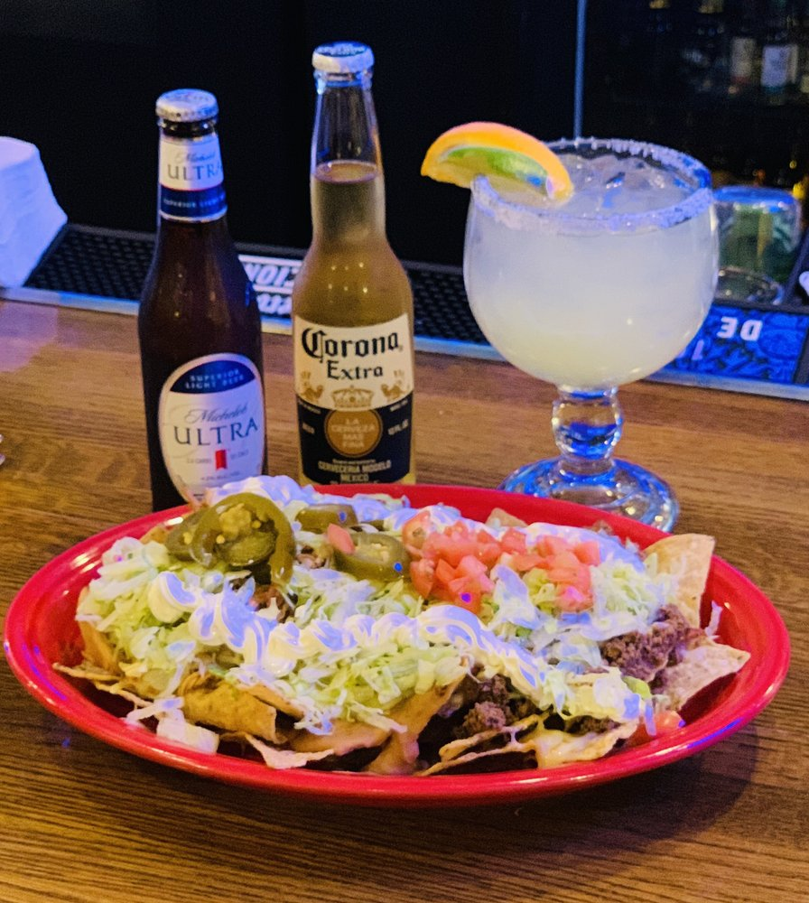 El Toro Loco: 1706 Village W Pkwy, Kansas City, KS