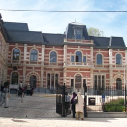 Maison communale de jette landmarks historic buildings for Miroir jette