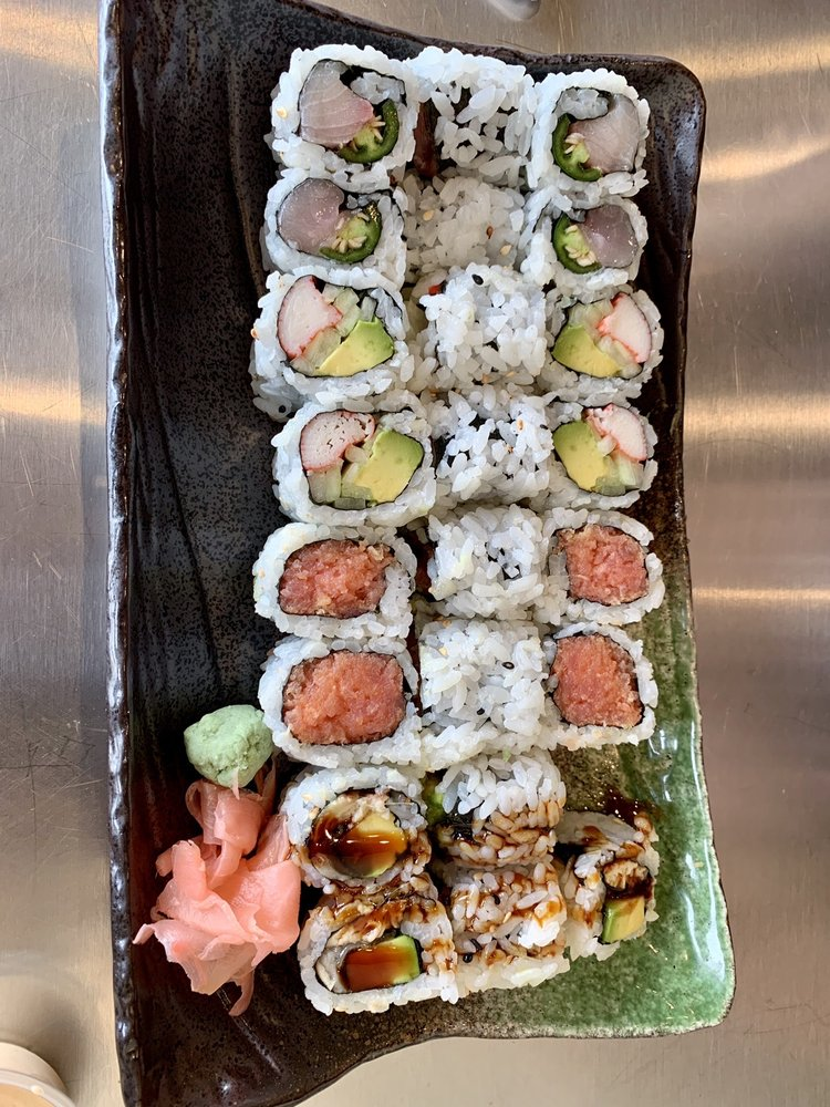 Takumi Sushi Hibachi: 6708 Whitestown Pkwy, Zionsville, IN