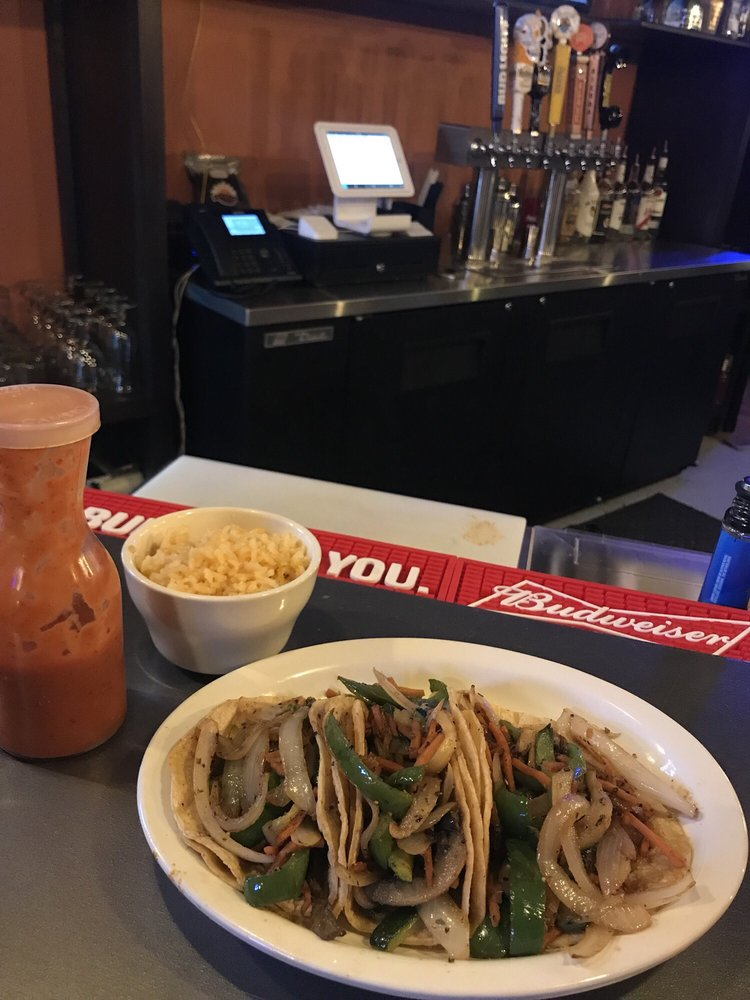 Chicharo's Mexican Grill: 201 W 2nd St, Muscatine, IA
