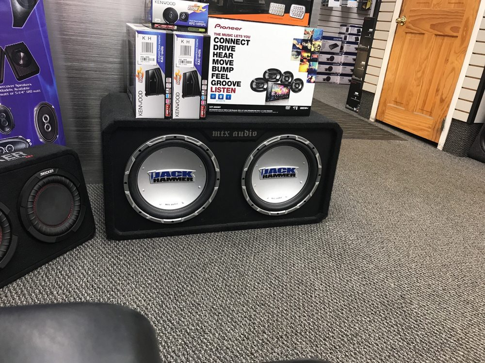 Parkway Car Stereo: 151 W Old Country Rd, Hicksville, NY