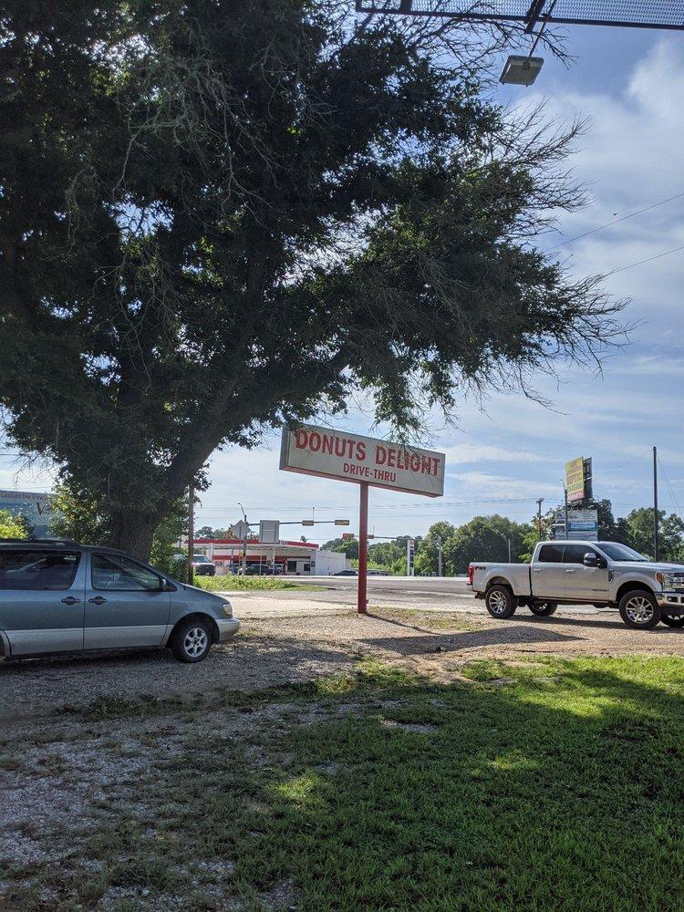 Donut Delight: 13011 TX-156, Coldspring, TX