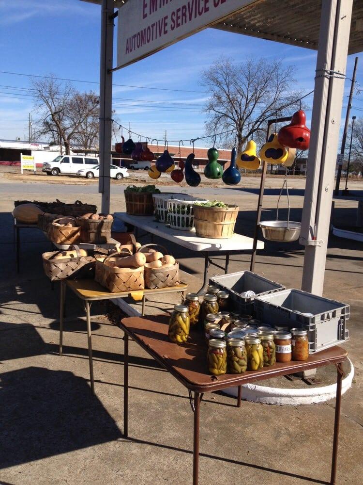 Jim Mills Farmers Market: 1201 Dickinson Ave, Greenville, NC