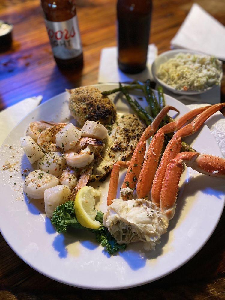 Driftwoods Seafood & Steak: 10799 Hwy 707, Murrells Inlet, SC