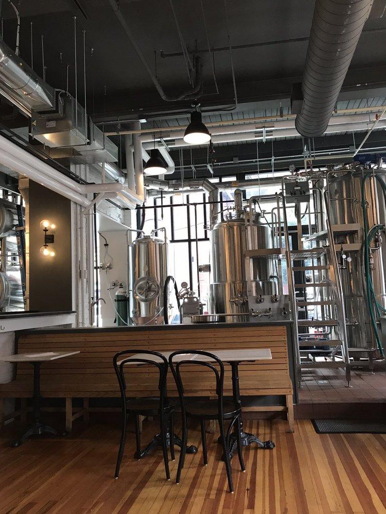 Starr Hill Brewery: 1300 Main St, Lynchburg, VA