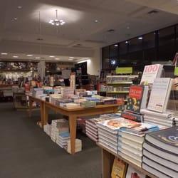Barnes Amp Noble 65 Photos Amp 131 Reviews Bookstores