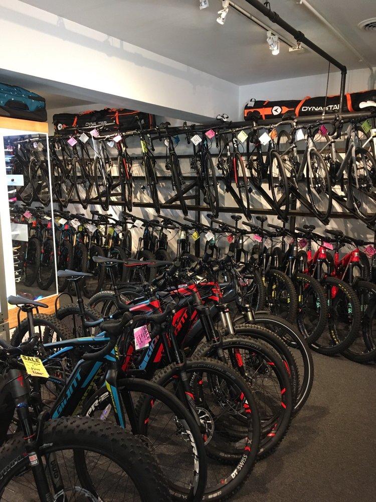 Basalt Bike & Ski - Aspen: 400 E Cooper Ave, Aspen, CO
