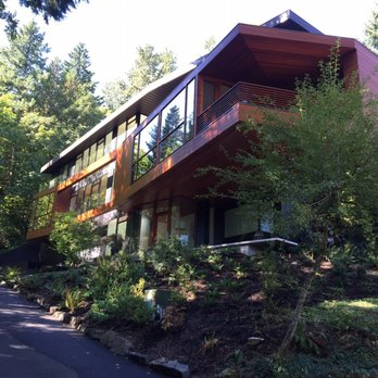 Photo of The Cullen House - Portland, OR, United States. Walked up as