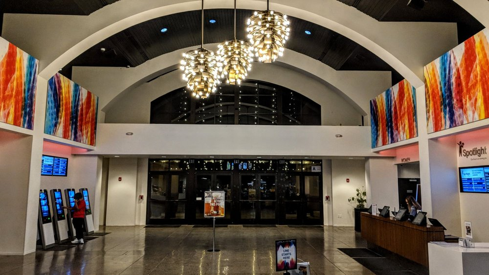 reading cinemas at cal oaks plaza with titan luxe 52