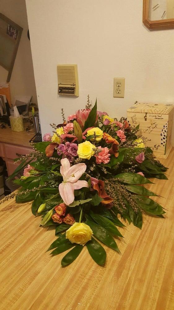 Belton Florist: 606 Holland Rd, Belton, TX