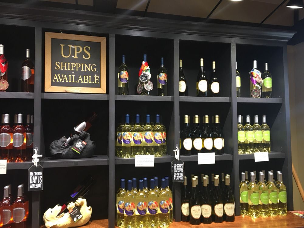 Waltz Vineyards Wine Shop: 3529 Old Philadelphia Pike, Intercourse, PA