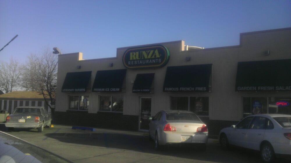 Runza Drive-Inn of America: 1250 13th St, Gering, NE