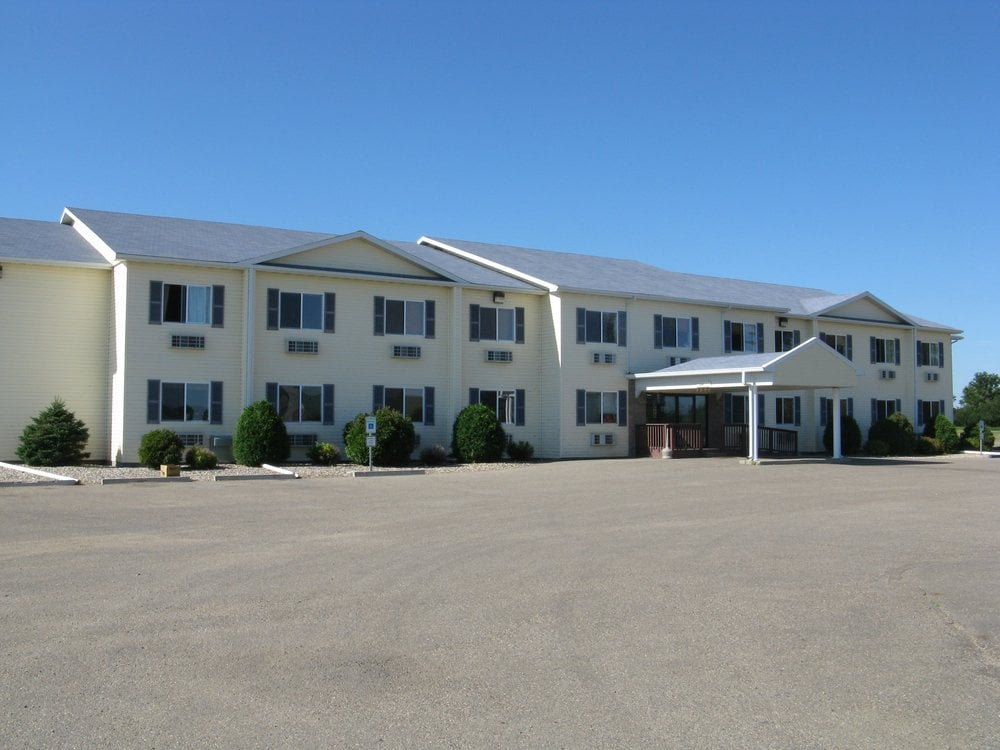 Quilt Inn Motel: 1232 N Central Ave, Kenmare, ND